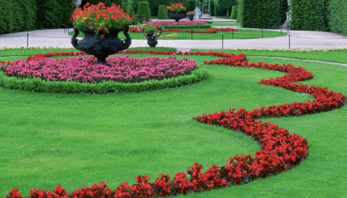 June 2006, Vienna, Austria --- Ornamental Garden at Schonbrunn Palace --- Image by © Rudy Sulgan/Corbis