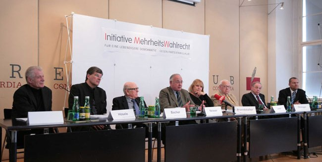 press_conference_mehrheitswahl